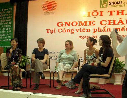 2009年越南GNOME亚洲峰会的小组讨论:女生在GNOME开源项目的参与